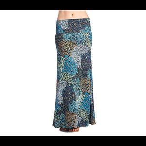 Dresses & Skirts - NEW Floral Maxi Skirt